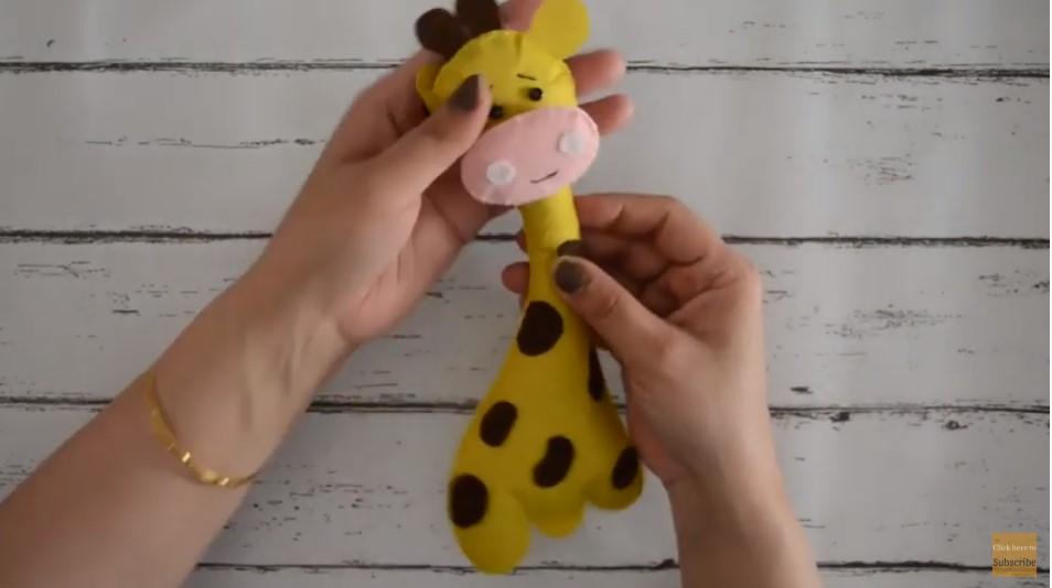 How to make a felt Giraffe